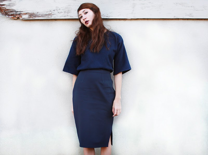 alyssa nicole, street style, designer, couture, san francisco street style, kimono blouse, wool kimono, navy kimono, bell sleeve blouse, pencil skirt, navy pencil skirt, jersey pencil skirt, jeffrey campbells,